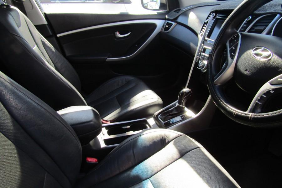 2013 MY14 Hyundai i30 GD2 Premium Hatchback Image 24