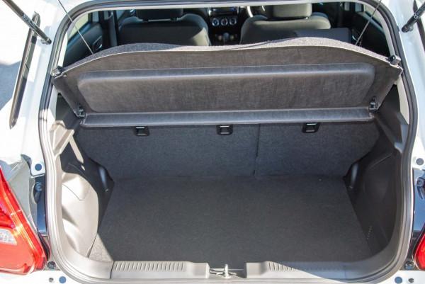 2020 Suzuki Swift AZ GLX Turbo Hatchback image 11
