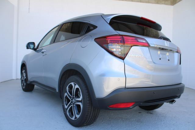 2021 Honda HR-V VTi-LX Suv Image 4