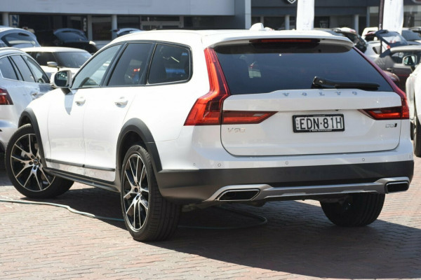 2019 Volvo V90 Cross Country D5 Suv Image 3