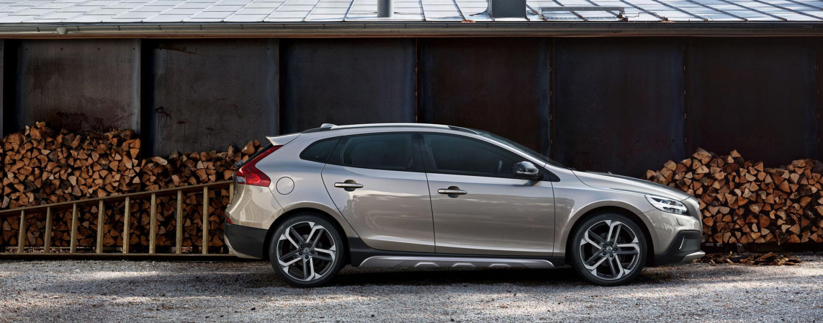 V40 Cross Country