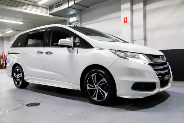 2016 Honda Odyssey 5th Gen VTi-L Wagon Image 3