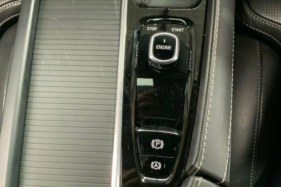 2016 MY17 Volvo S90 P Series T5 Momentum Sedan Mobile Image 18