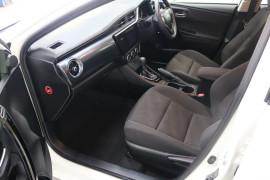 2016 Toyota Corolla ZRE182R ASCENT Hatchback Image 5