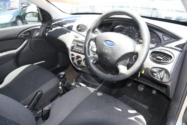 2003 Ford Focus LR MY03 LX Sedan Image 9