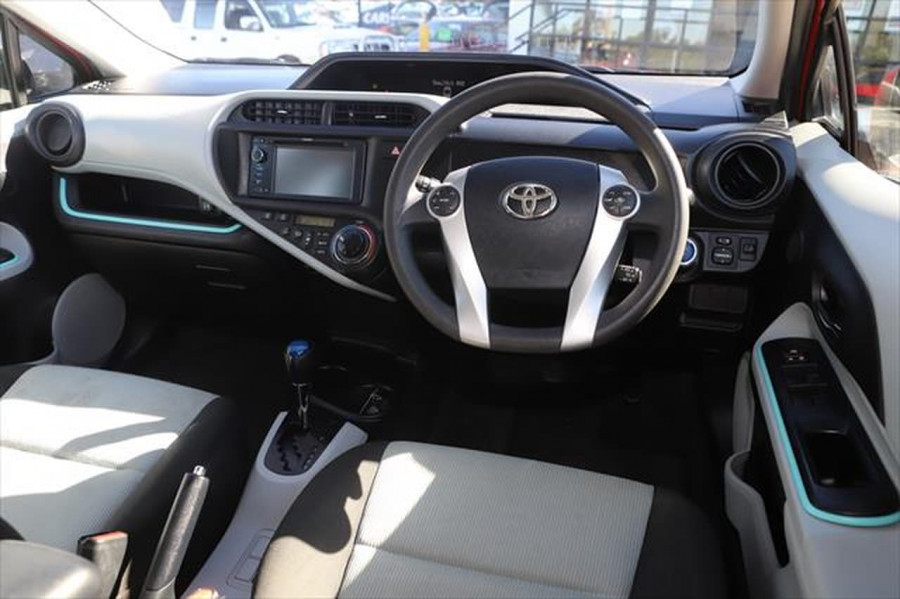2013 Toyota Prius ZVW30R MY12 Liftback Image 10