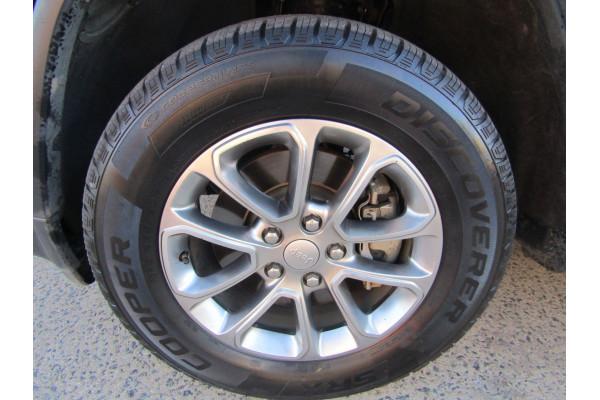 2013 MY14 Jeep Grand Cherokee WK Laredo Suv Image 4