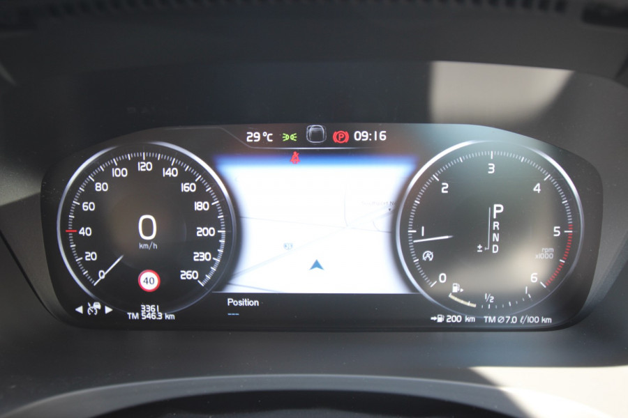 2020 Volvo V90 Cross Country P Series D5 Wagon Image 11