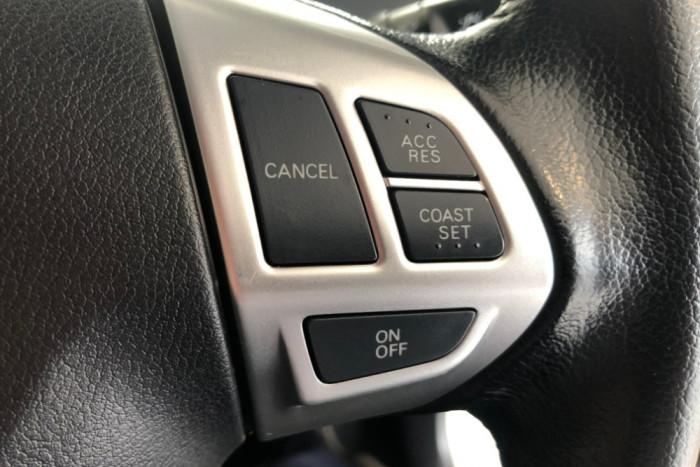 2014 MY15 Mitsubishi Triton MN MY15 GLX-R Utility Image 16