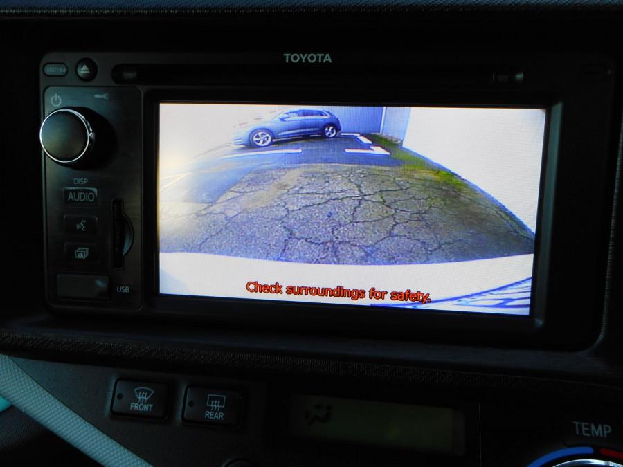 2013 MY12 Toyota Prius Image 20