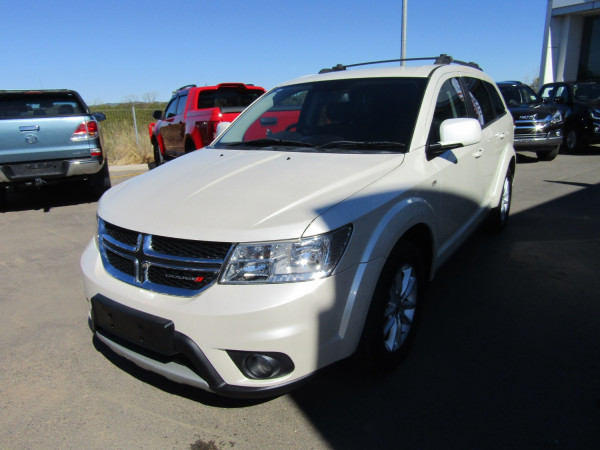 2013 Dodge Journey JC SXT Wagon Image 2