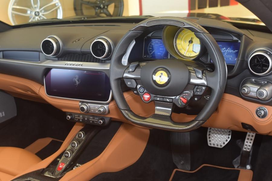 2018 Ferrari Portofino Convertible Mobile Image 4