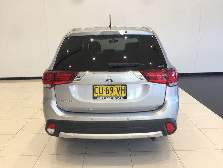2016 Mitsubishi Outlander ZK LS Awd wagon Image 5