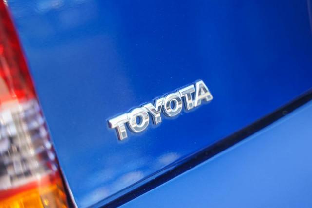 2000 Toyota Celica ZZT231R SX Liftback Image 17