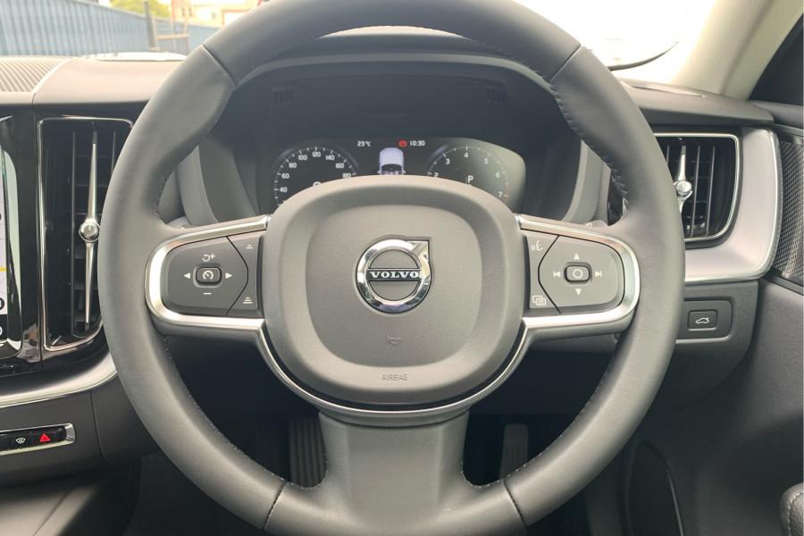 2020 Volvo XC60 UZ T5 Momentum Suv Mobile Image 5