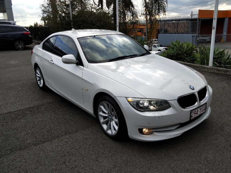 2011 BMW 320d E9 Coupe Coupe