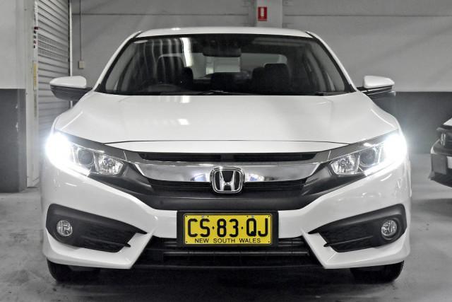 2018 Honda Civic 10th Gen  VTi-L Sedan Image 3