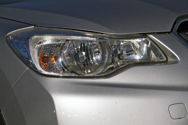 2012 Subaru Xv G4X MY12 2.0i-L Suv Image 13