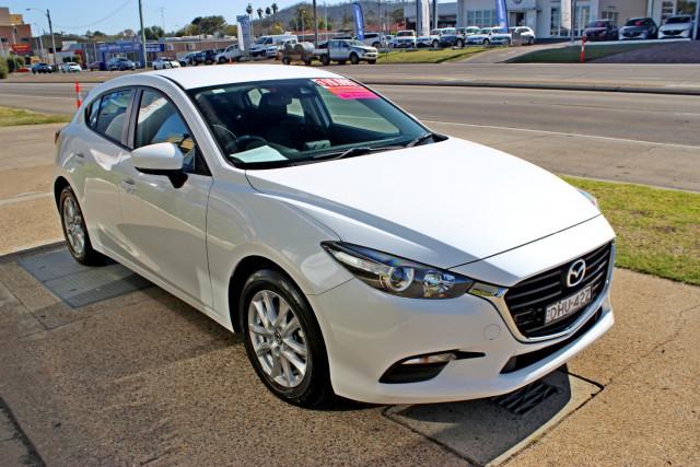 2016 Mazda Mazda3 BM5478 Neo Hatchback Image 4