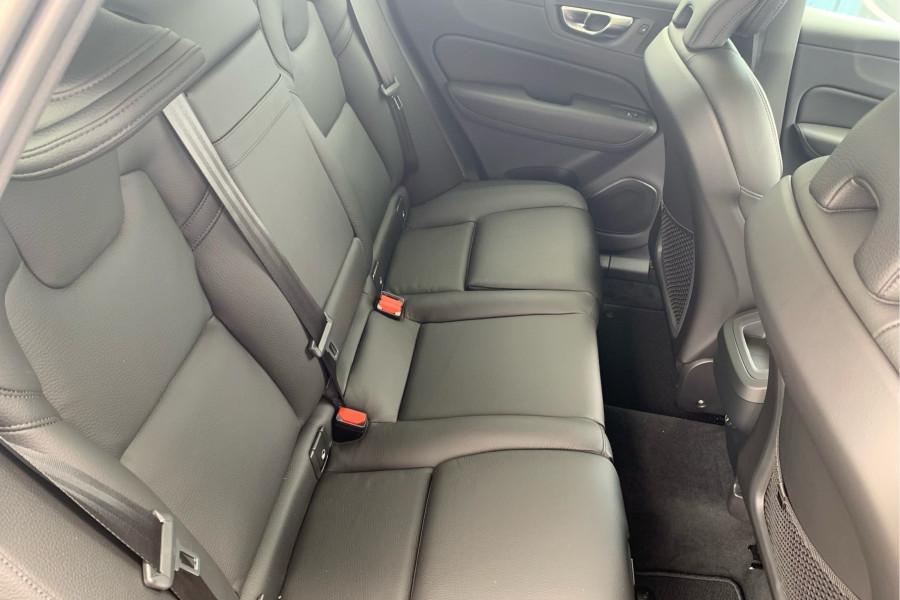 2020 Volvo XC60 UZ T5 Momentum Suv Mobile Image 12