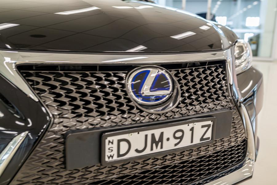 2016 Lexus Ct Hatchback Image 9