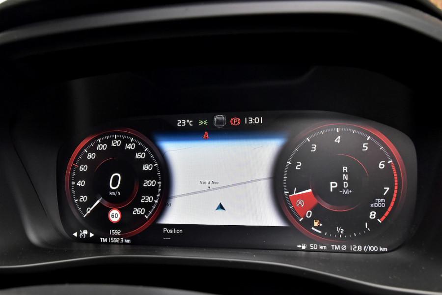 2020 Volvo XC40 XZ T5 R-Design Suv Mobile Image 12