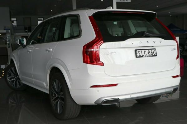 2020 Volvo XC90 L Series D5 Momentum Suv Image 3