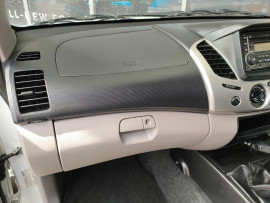 2012 Mitsubishi Triton MN  GL-R Utility image 12