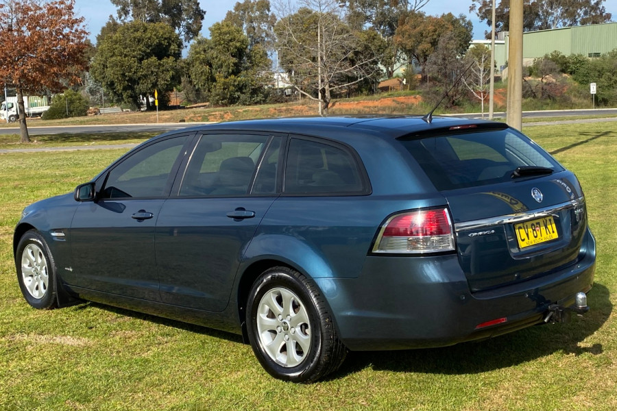 2012 Holden Commodore VE II MY12 SV6 Wagon Image 11