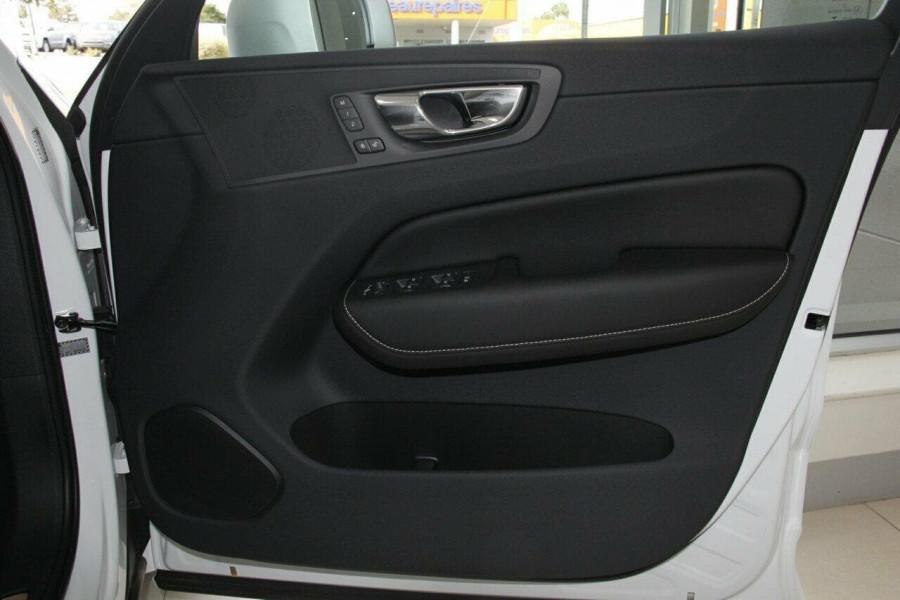 2018 Volvo XC60 UZ D5 R-Design Suv Mobile Image 4