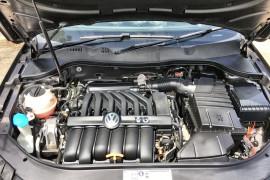 2011 Volkswagen Passat Type 3C MY11 V6 FSI Sedan Image 3