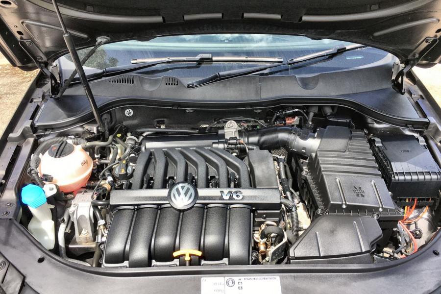 2011 Volkswagen Passat Type 3C MY11 V6 FSI Sedan
