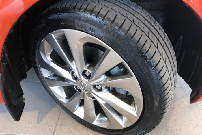 2014 Toyota Corolla ZRE182R Levin Hatchback Image 22