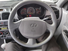 2005 MY04 Hyundai Accent LC  GL Hatchback image 13