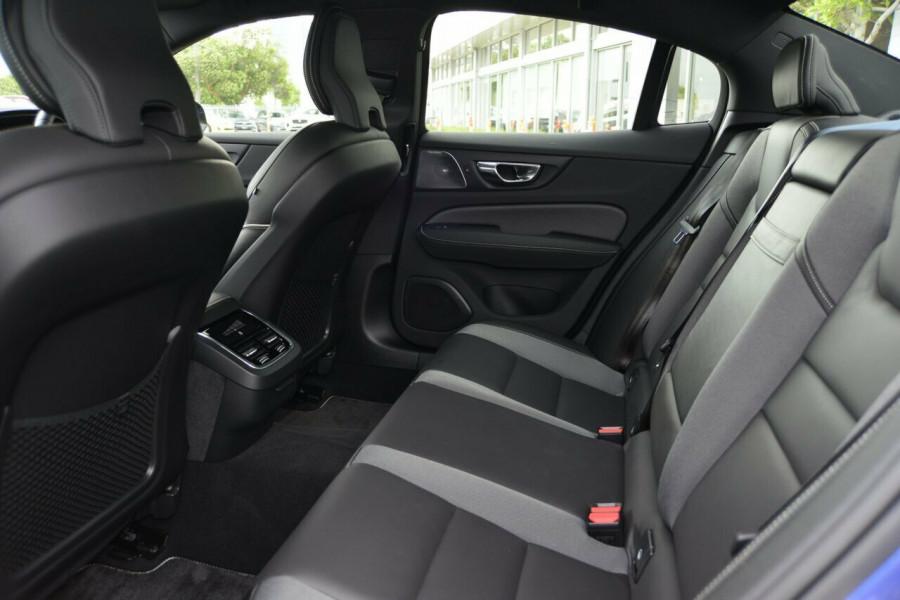 2019 Volvo S60 T5 R-DESIGN Sedan Image 8