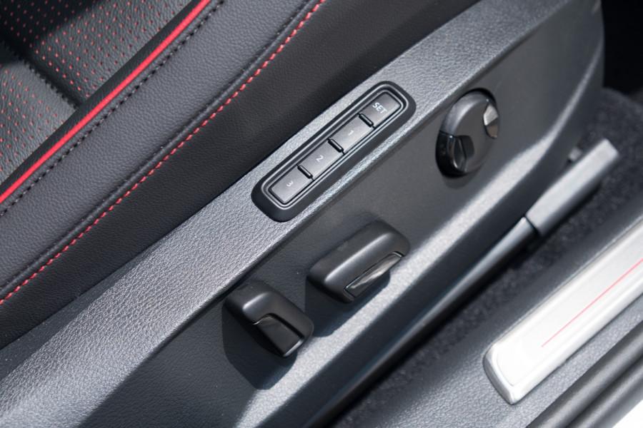 2020 Volkswagen Golf 7.5 GTI Hatch Image 15