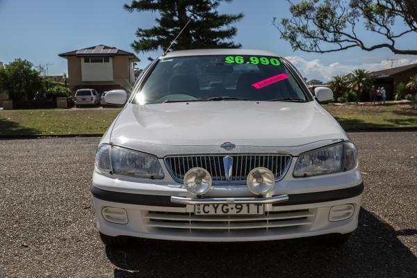 2000 Nissan Pulsar N16 LX Sedan Image 3