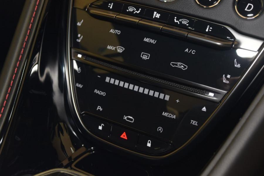 2018 MY19 Aston martin Dbs Superleggera Coupe Image 18
