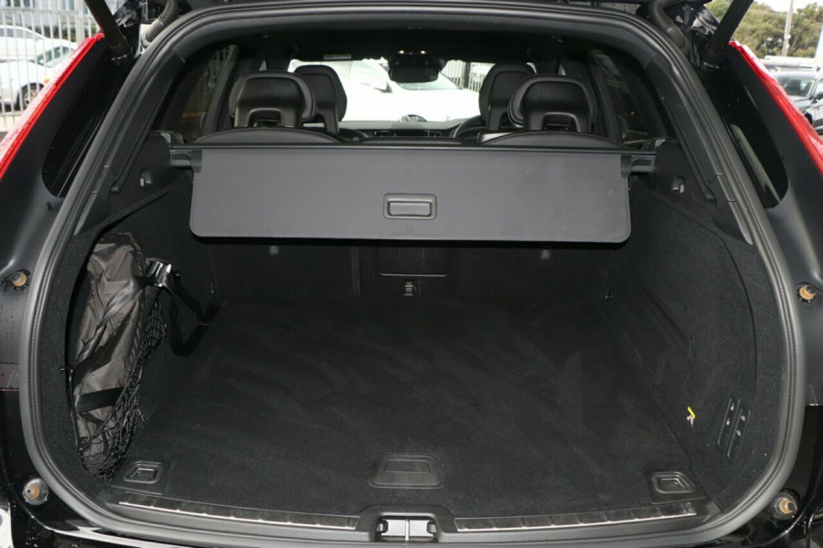 2018 Volvo XC60 T6 R-Design Suv Image 19