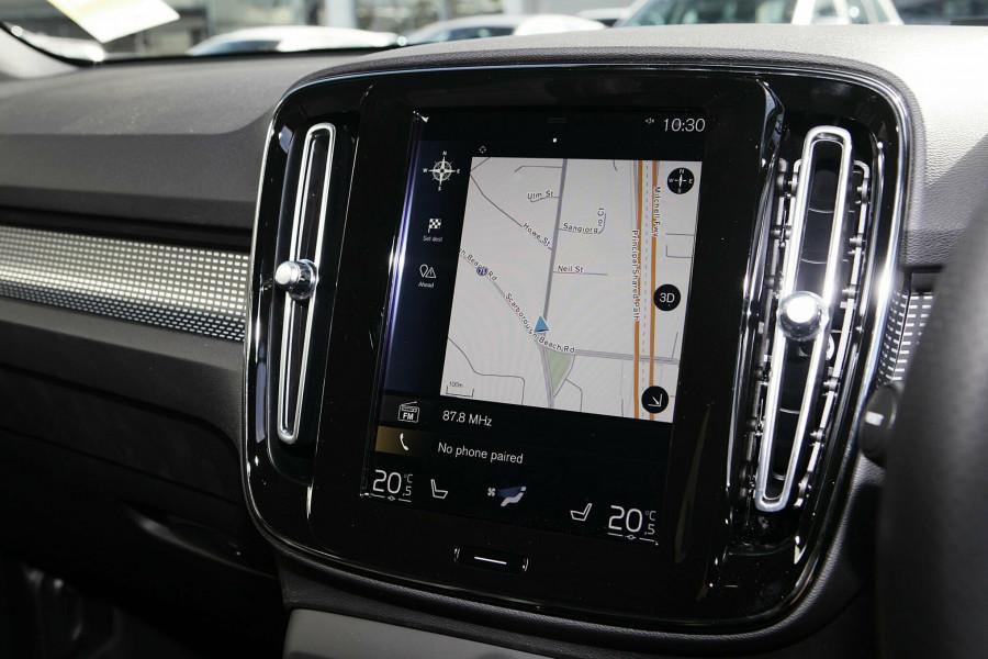 2019 Volvo XC40 T5 R-Design Suv Mobile Image 14