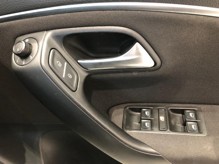 2015 Volkswagen Polo 6R 81TSI Comfortline Hatchback Image 9