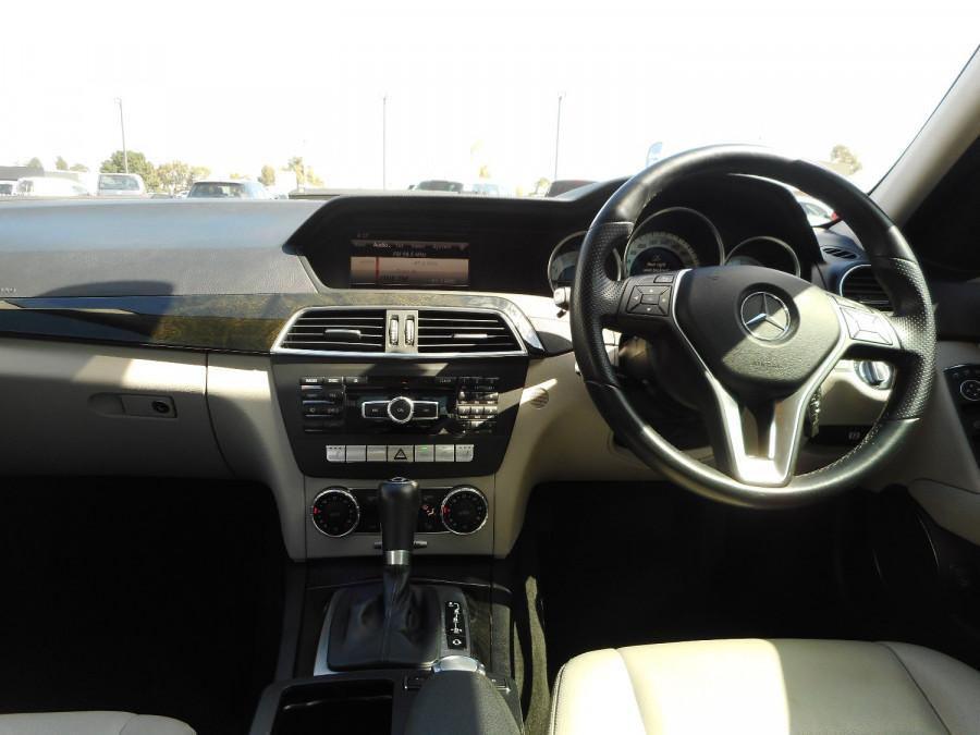 2014 Mercedes-Benz C-class W204  C250 CDI Avantgarde Sedan Image 14