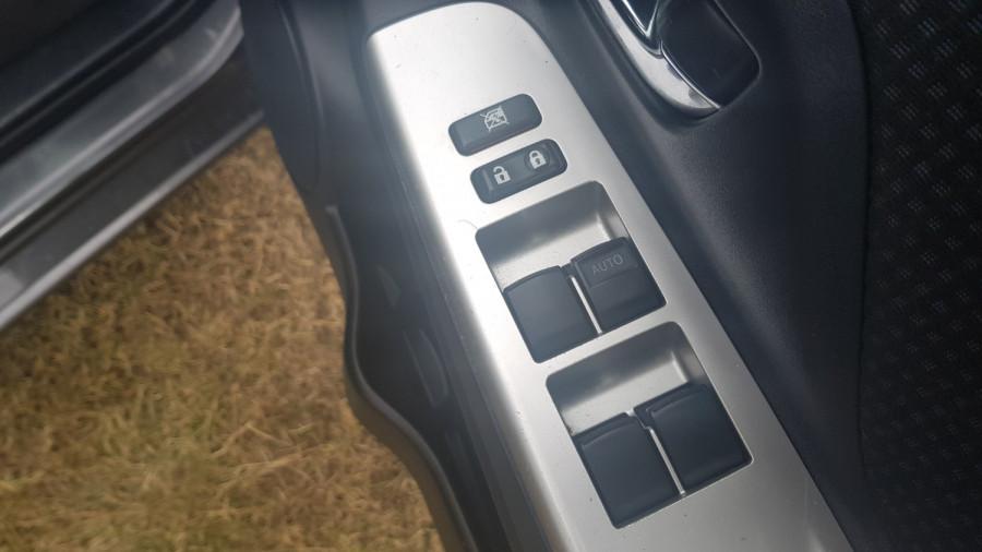 2016 Toyota Yaris NCP131R SX Hatch Image 12