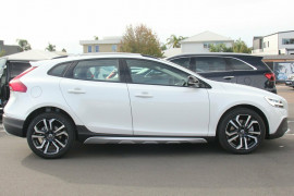2017 MY18 Volvo V40 Cross Country M Series D4 Pro Hatchback