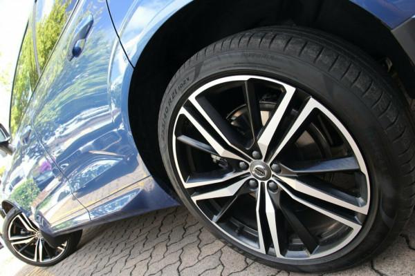 2019 MY20 Volvo XC60 246 MY20 D5 R-Design (AWD) Suv Image 4