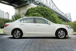 2009 Honda Accord 8th Gen 40th Anniversary Sedan