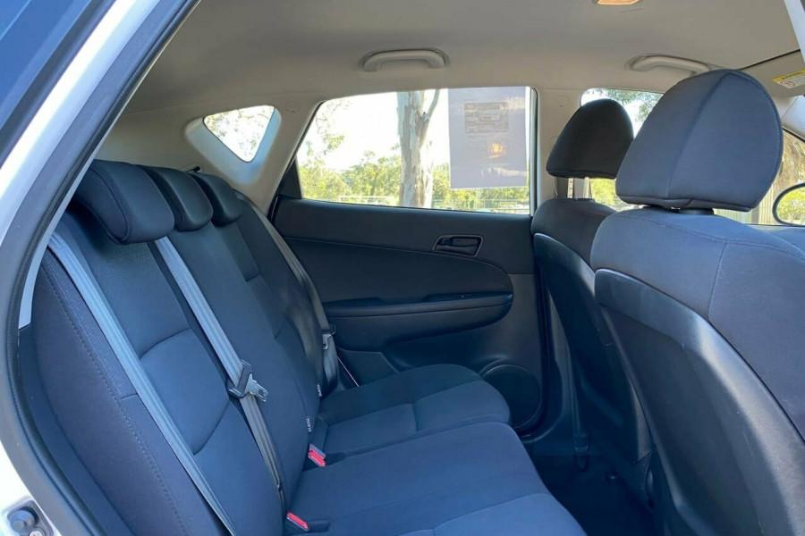 2012 MY11 Hyundai i30 FD MY11 Trophy Hatchback Image 13