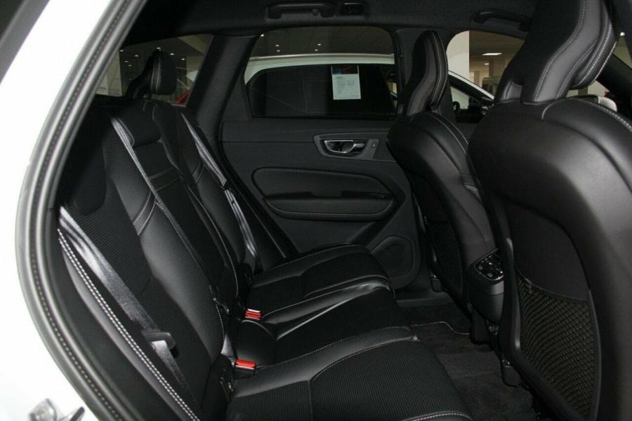 2018 Volvo XC60 UZ D5 R-Design Suv Mobile Image 7