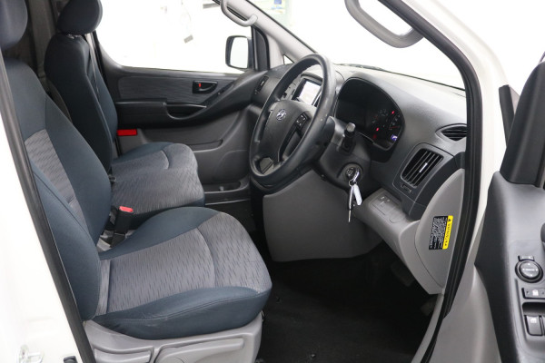 2016 MY17 Hyundai Iload TQ3-V SERIES II MY17 Van Image 4
