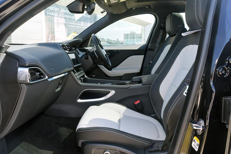 2019 MY20 Jaguar F-PACE X761 R-Sport Suv Mobile Image 10